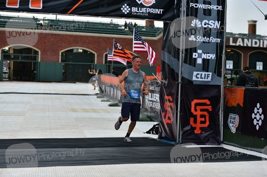 2016-09-25-20_59_13-jowdy-congratulations-tom-the-2016-san-francisco-giant-race-presented-by-bluep